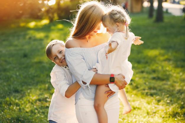 Família, projeto de Deus. Imagem: Free Pik.