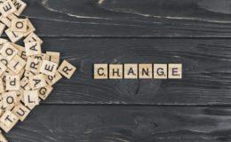 Mudar é preciso. Imagem: Free Pik.